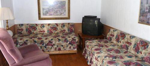 Cabin 4 Living Room at Trails End Fishing Resort