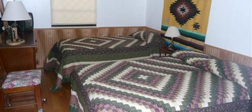 Cabin 4 Bedroom at Trails End Fishing Resort