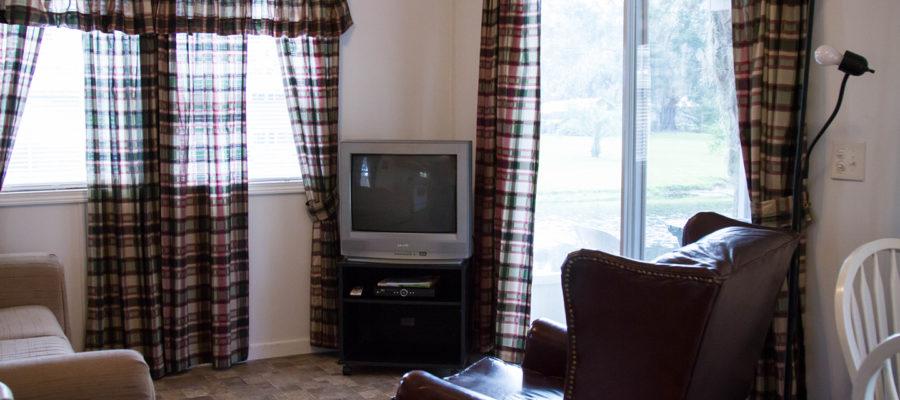 Cabin 7 Living Room at Trails End Fishing Resort