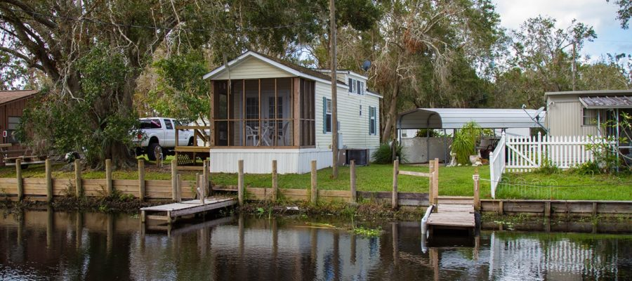 Cabin 7 Waterfront at Trails End Fishing Resort